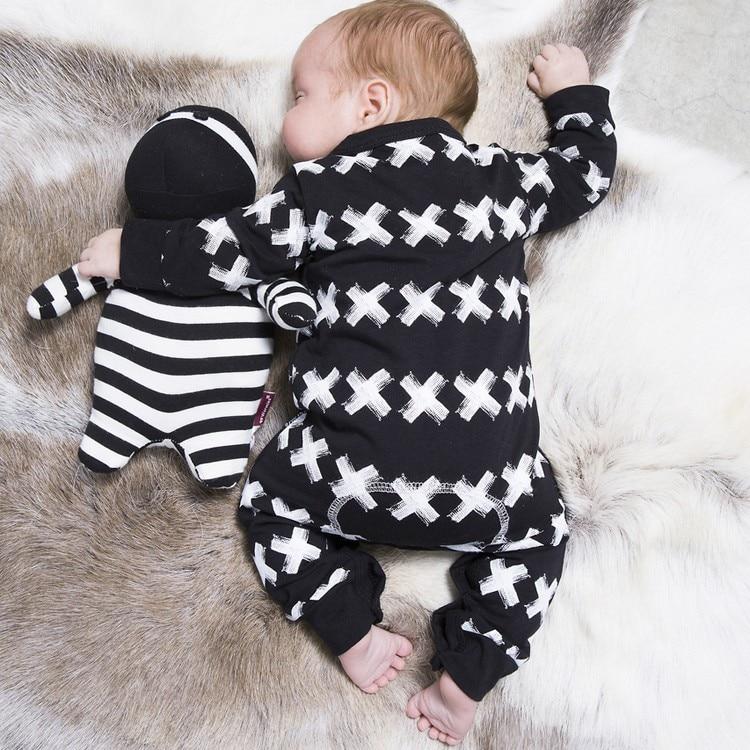 8d50523aae82 2018 Autumn Fashion Baby Boy Girls Clothing Set White Plus Black ...