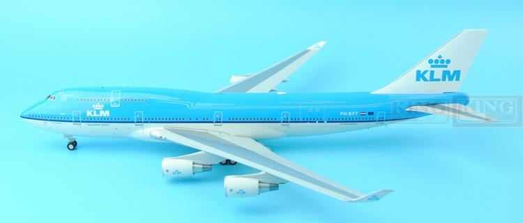 Offer: Wings XX2347/XX2348 Special JC Holland Royal Air 1:200 B747-400 commercial jetliners plane model hobby