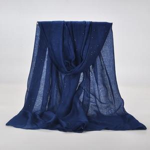 Image 5 - 20 لون 2019 جديد الشتاء النساء أسود البحرية بلون مسلم الحجاب لامع بريق وشاح التفاف الإناث 90 سنتيمتر * 180 سنتيمتر