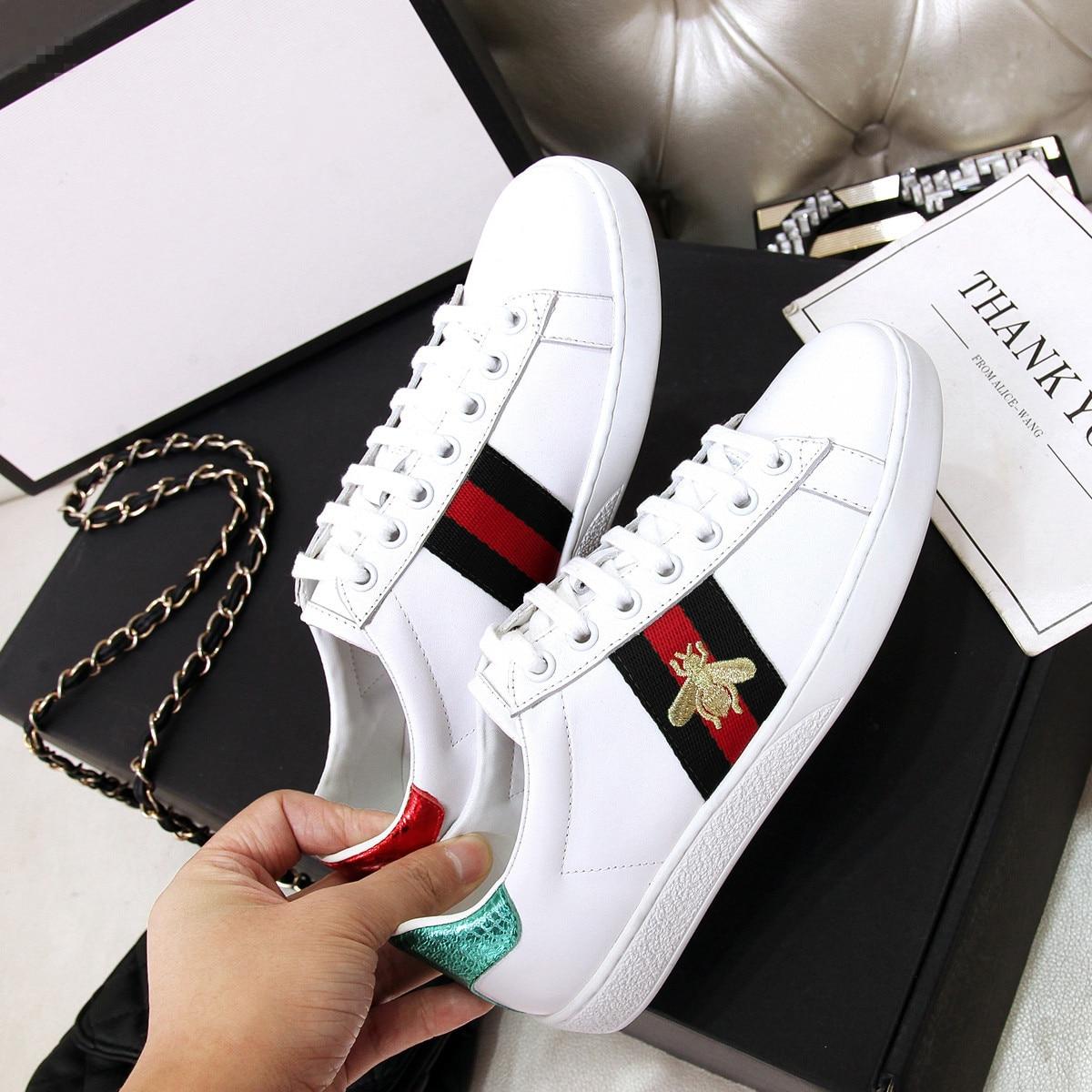 2019 zapatos de mujer scarpe donna scarpe per gli uomini e scarpe da tennis piane delle donne ricamato ape scarpe basse donne chaussures femme Piccolo ape