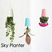 5PCS Free delivery   1 Piece 190*135*135mm Large Plastic Hanging Sky Planter 7 Colors Decorative Upside-Down Flower Pot Planter