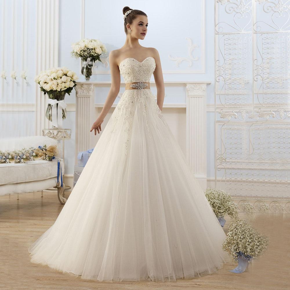 Модные свадебные платья в кружевах