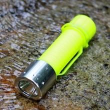 YUPARD Q5 LED  diver Waterproof Underwater Diving Flashlight Lamp light outdoor Torch 3 Mode  18650/AAA battery  free shipping