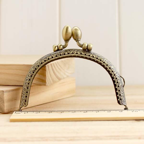 20pcs lot 9 5cm bud head Antique bronze brass Metal purse Frame Kiss Clasp handle Bag