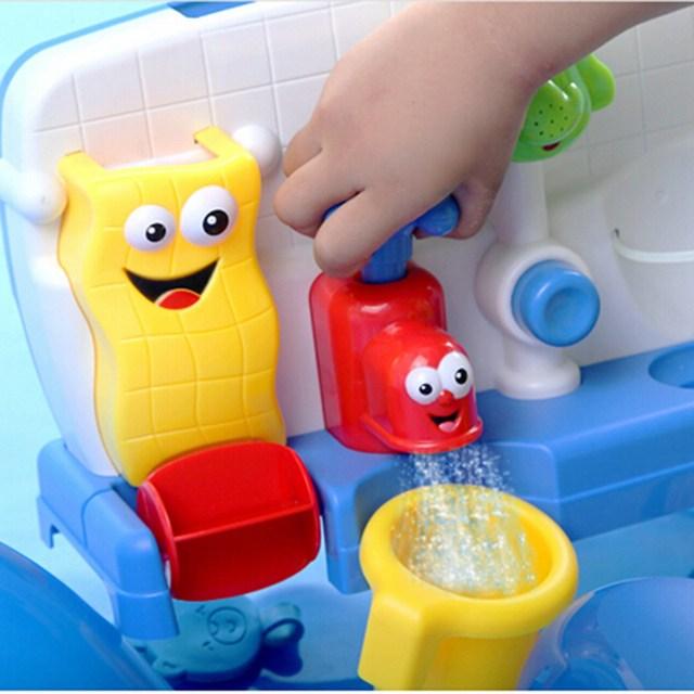 Colorido Banho Salpicos de Água Que Joga o Brinquedo Areia Da Praia de Natação Automático Faucet Adorável Molda Bebê Criança Brilhante Torneira Sustentada