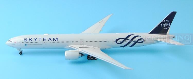 New: Phoenix 11207 B777-300ER PK-GII 1:400 SkyTeam aviation Indonesia commercial jetliners plane model hobby 11010 phoenix australian aviation vh oej 1 400 b747 400 commercial jetliners plane model hobby