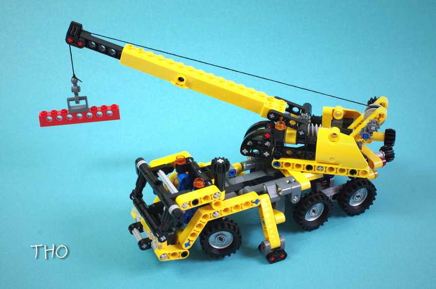 Toys for children Building Blocks china brand 3349 self-locking bricks Compatible with Lego Technic Mini Mobile Crane 8067 lepin 02012 city deepwater exploration vessel 60095 building blocks policeman toys children compatible with lego gift kid sets