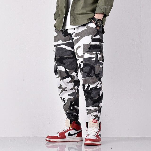 Fashion Streetwear Men Jeans Camouflage Military Style Joggers Pants Slack Bottom Loose Fit Big Pocket Hip Hop Cargo Pants Men