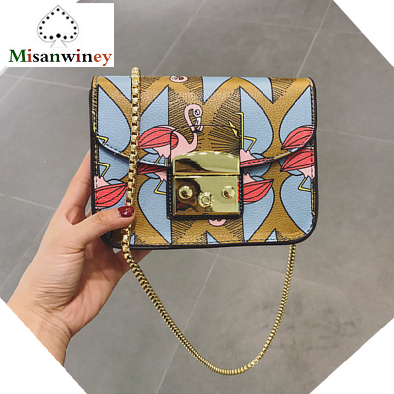 Famous Italy Brand Women Handbags Purse Lolita Style Graffiti Print Shoulder Bag Luxury Designer Lady Gold Chains Messegner Bags 4 in 1 composite bag female lolita style zipper leather cute bear pendant designer brand handbags for women bolsas de couro 49