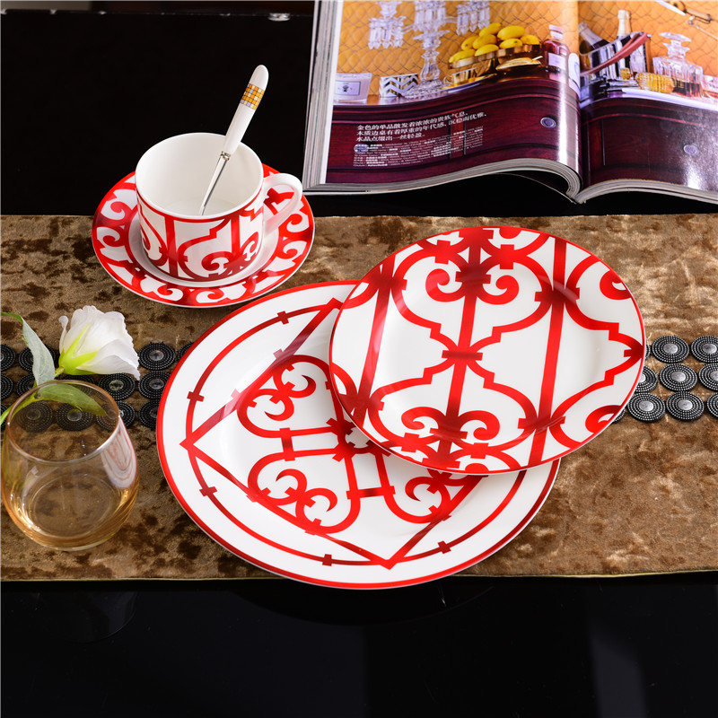 Europe Red Plate Set Bone China Luxury Dinnerware Ceramic Dishes For Cake Salad Appetizer Porcelain Dinner Plates Dining TableEurope Red Plate Set Bone China Luxury Dinnerware Ceramic Dishes For Cake Salad Appetizer Porcelain Dinner Plates Dining Table