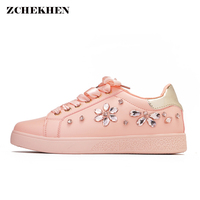 2018 Women Sneakers Pearl Espadrille Soft Leather Rhinestone Women Flat Shoes Loafers Pink Shoes Party