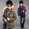 2016 Inverno criança menino tecido de alta qualidade gola de pele crianças casaco mais grosso retro longo tipo jaqueta