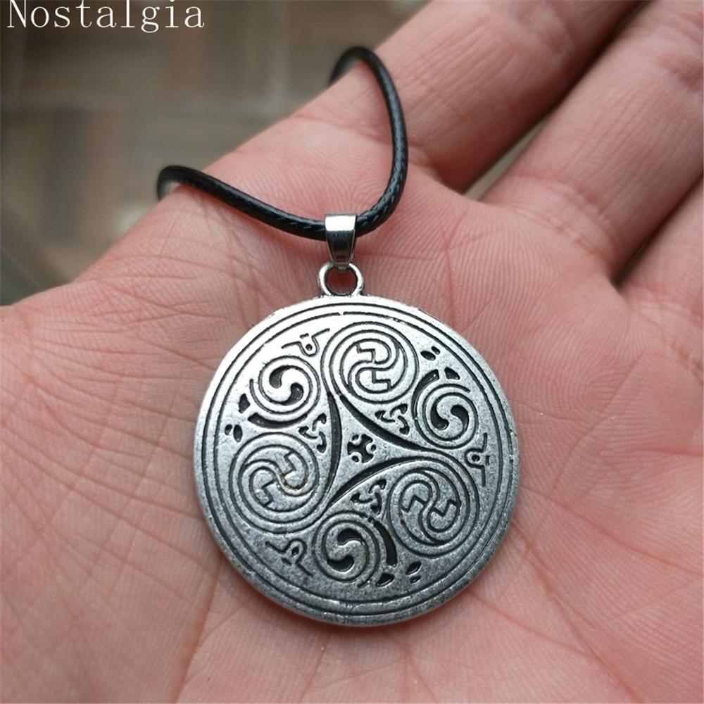 Nostalgia Irish Knot Religious Trinity Triskele Triquetra Symbol Men ...