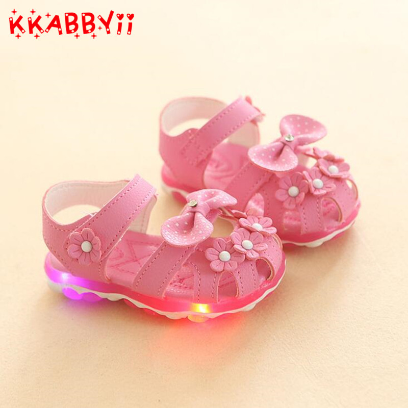 New Summer Cute Girls Beach Sandals Children LED Flash Breathable Sandals Cute Boys Luminous Fashion Sandals Size 21-30