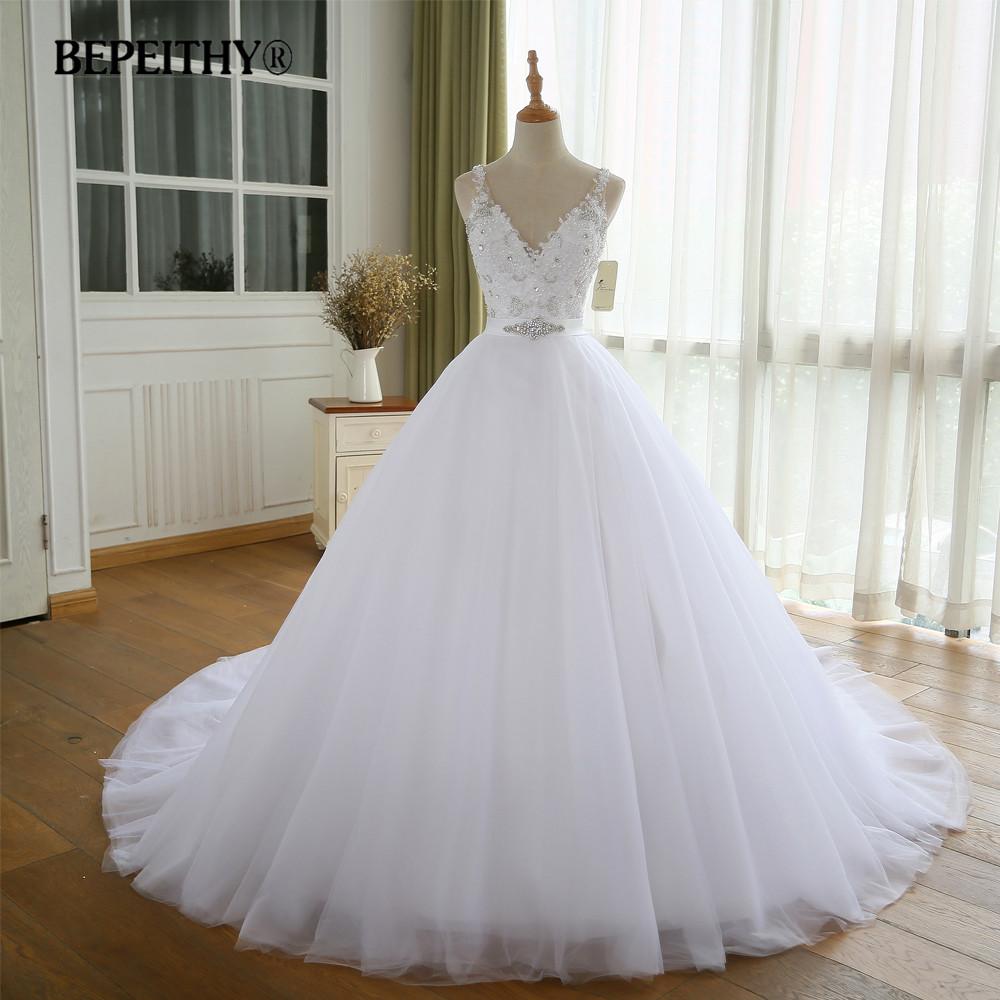 BEPEITHY V Neck Vintage Wedding Dress With Belt Vestido De Novia Casamento Beadings Bridal Gowns 2020 Ball Gown