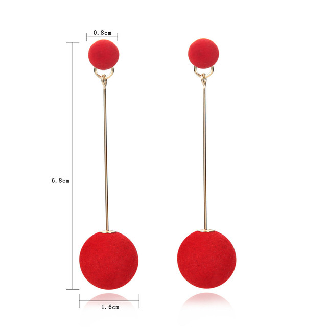 Фото корейские модные черные красные длинные плюшевые серьги шарики