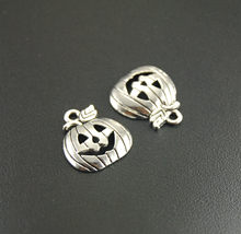 50 pcs Metal Alloy Halloween Antique Silver Pumpkin Charms Pendants Smile Pumpkin Jewelry Charms 19x16mm A277(China)