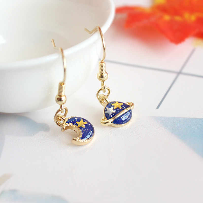Free shipping fashion ladies jewelry personality blue planet moon pendant girl earrings cute cool handsome