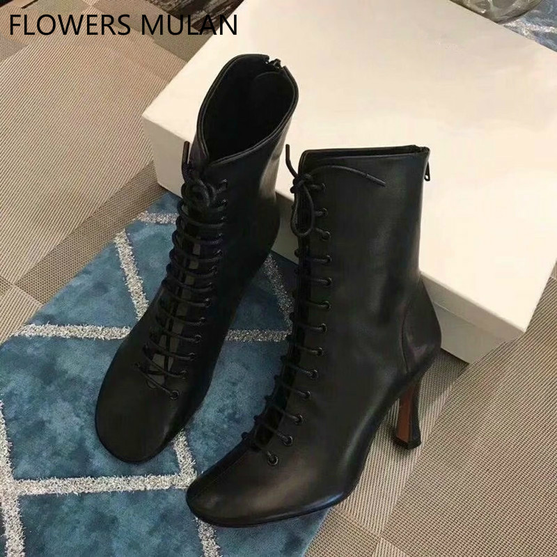все цены на Famous Brand New Black White Leather Women Short Boots Round Toe Sewing Cool Front Cross Tied Back Zip Strange Heel Lady Botas