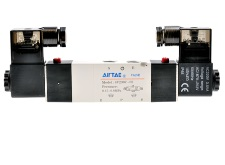 где купить AirTac new original authentic solenoid valve 4V230C-08 DC24V дешево