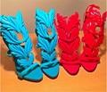 New Light Blue Metallic Folha Asa Gladiador Mulheres Sandálias de Couro Bombas Dos Saltos Altos Das Senhoras Sapatos de Verão Mulher Sandálias Stiletto