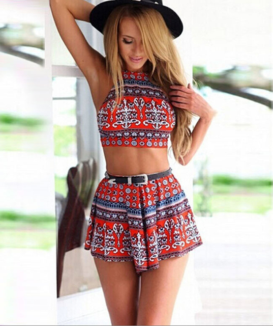 7751d2589a75 2016 Summer strapless Backless sexy two piece women set Crop top and shorts  set Contrast color