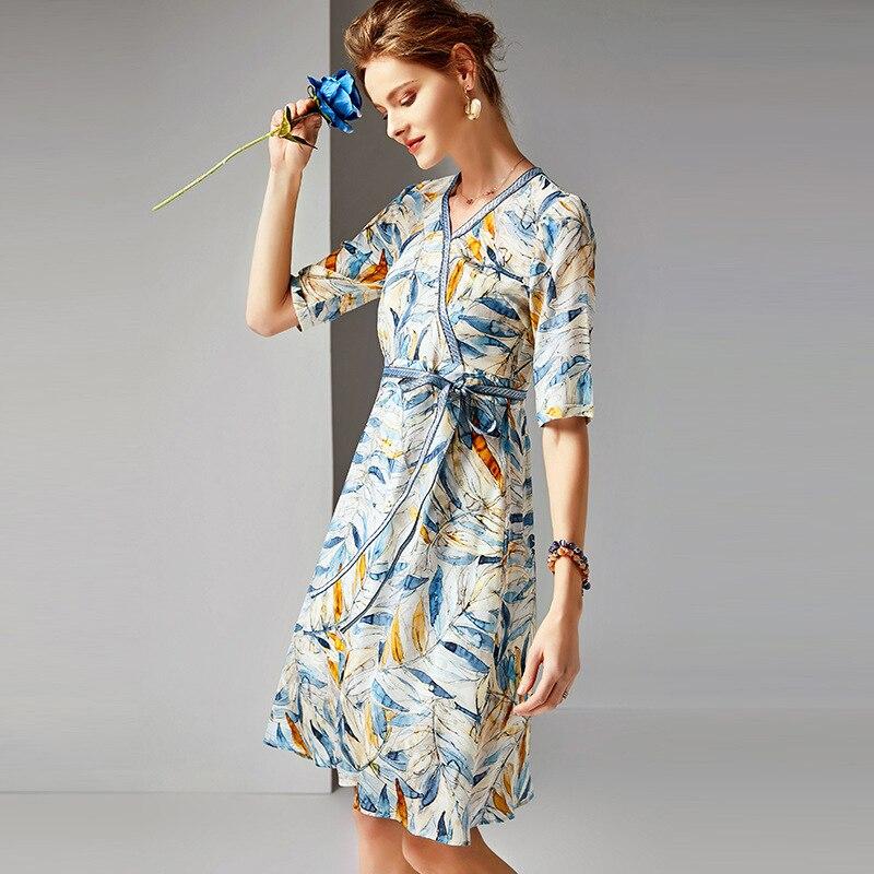 2019 printemps été 100% réel soie imprimé robe v cou longue élégante robe avec ceinture demi manches partie nouveauté-in Robes from Mode Femme et Accessoires    3