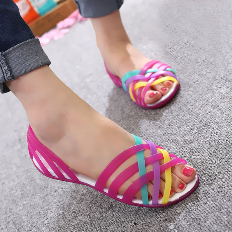 Women Sandals 2018 Summer Fashion Candy Color Women Shoes Peep Toe Stappy Beach good Rainbow Croc Jelly Shoes Woman Flats XC34