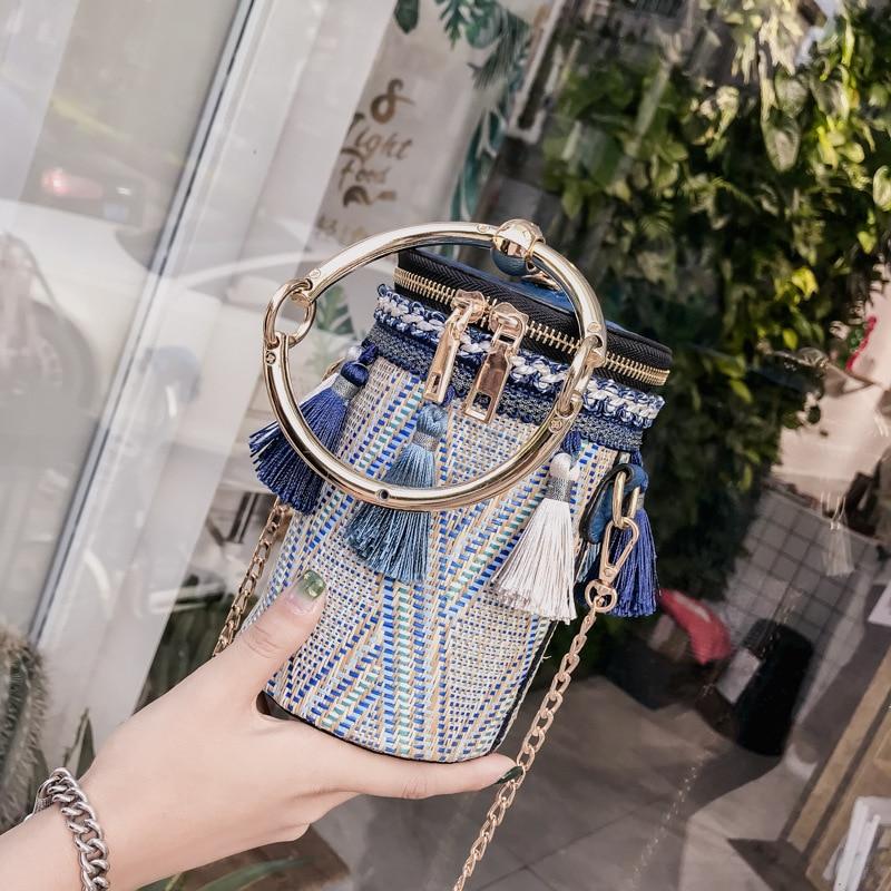 Tassel Shaped Straw Bags Ring Metal Handle Handbags Women Fashion Knit Bucket Mini Cylindrical Messenger Purses 2