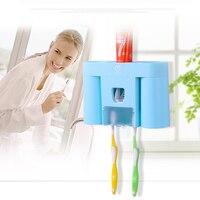 משלוח חינם מחזיק האוטומטי dispenser משחת שיניים + מברשת שיניים + ספל שיניים סט רחצה הרכבה בקיר אמבט rack ערכות משפחת סט