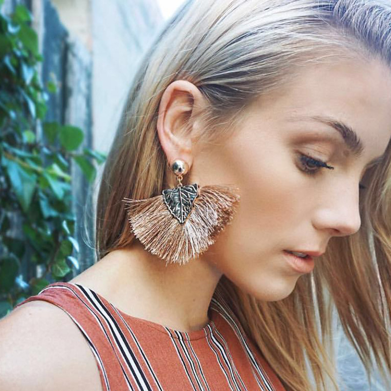 Coco&willow Leaf pattern tassel earrings, fan shape bohemian earrings for women, fringed chic fashion jewelry for party and gift pair of stylish rhinestone embossed leaf tassel earrings for women