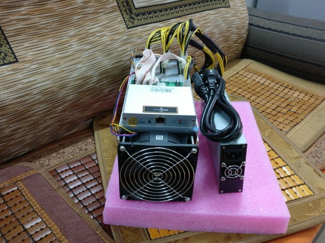 YUNHUI Bitcoin Miner AntMiner T9 12.5TH/s include power supply 1600W 16nm BTC Mining machine Power Consumption 1450W