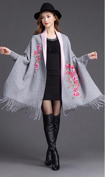 Nouvelle conception avec écharpe Poncho à manches chauve-souris Poncho en cachemire pour femme Zizith broderie Cape couverture enroulé châle écharpe