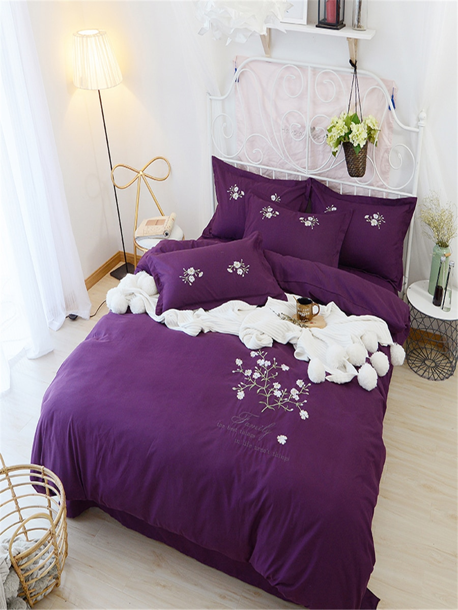 4 Pcs Home Bedding Set Embroidered Floral Pattern Soft Cozy Bed Clothes 4 Pcs Home Bedding Set Embroidered Floral Pattern Soft Cozy Bed Clothes