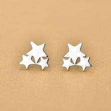 Серьги гвоздики из серебра 925 пробы с тремя звездами