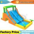 Dual slide escorrega inflável casa do salto de combinação de escalada parque com canhões de água