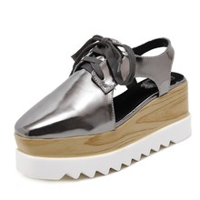 Lumière confortable Semelle Femmes Plate-Forme Chaussures PU En Cuir Fretwork Slingback Wedge Plat Talon Creepers Richelieus Brogue Casual Chaussures Sandales