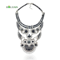 Women Fashion Bohemian Necklace Pendants Modern Hippie Triangle Big Rhinestone Choker Necklace Tribal Ethnic Boho Mujer