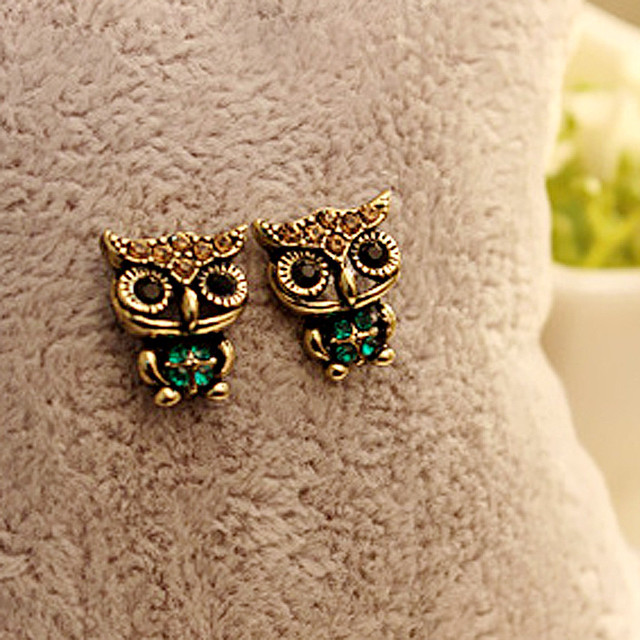 2016 New Women's Fashion Ear Jewelry Cute Owl Style Green Rhinestone Vintage Ear Stud Earrings Animal Statement Earrings Brincos