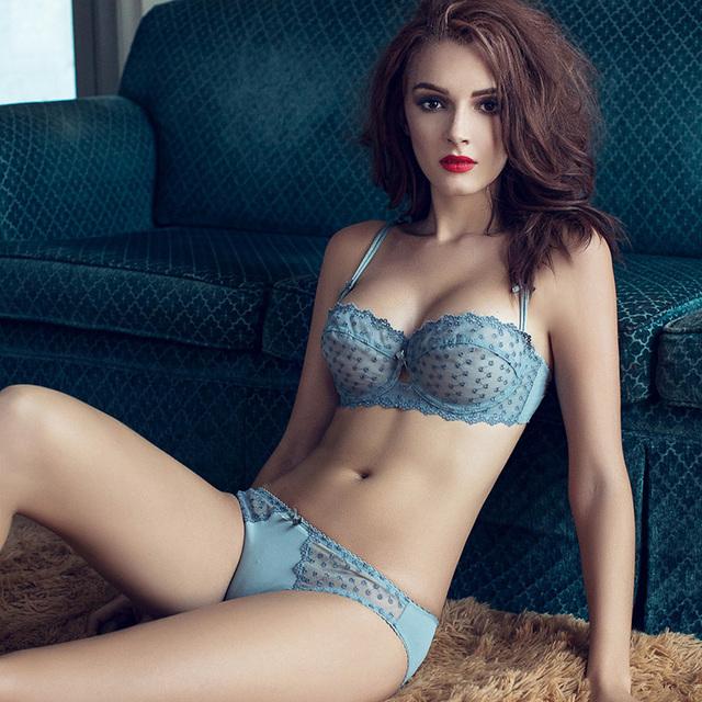 Frete grátis Bra & Sets Breve Flor rendas gaze bordado ultra-fina e transparente sexy underwear bra set azul marinho preto