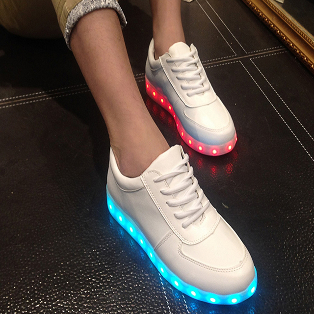 2016 Fashion Women Light Up Led Luminous Shoes Color Glowing Casual Shoes New Simulation Sole Charge For Men Adults Neon Basket