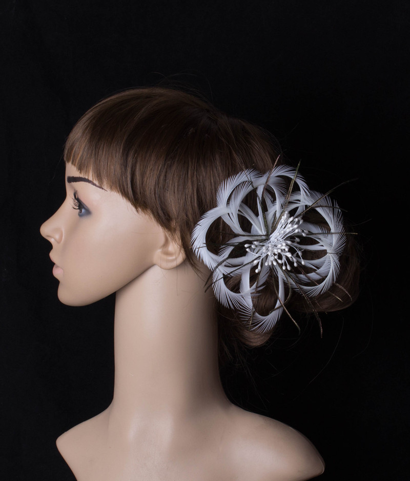 charming white feather flower fascinator headwear brooch colorful mesh race hair accessories show hat suit for all season MYQ091