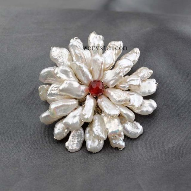 Large Natural White Freshwater Pearls Biwa Beads Brooch Handmade Flower Brooches For Women Gold Copper Wire Brooch Silver Pin