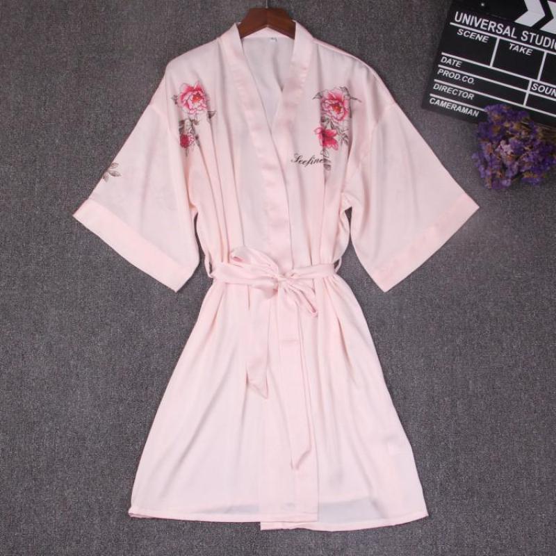 100% Wahr Halbe Hülse Frauen Nachtwäsche Floral Sommer Kimono Bad Robe Chinesische Braut Brautjungfer Dressing Kleid Rayon Nachthemd Negligé