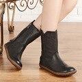 Mulheres botas de couro genuíno de lazer meia botas tamanho grande 41-43 manual de motociclista do vintage botas de salto plana dedo do pé redondo