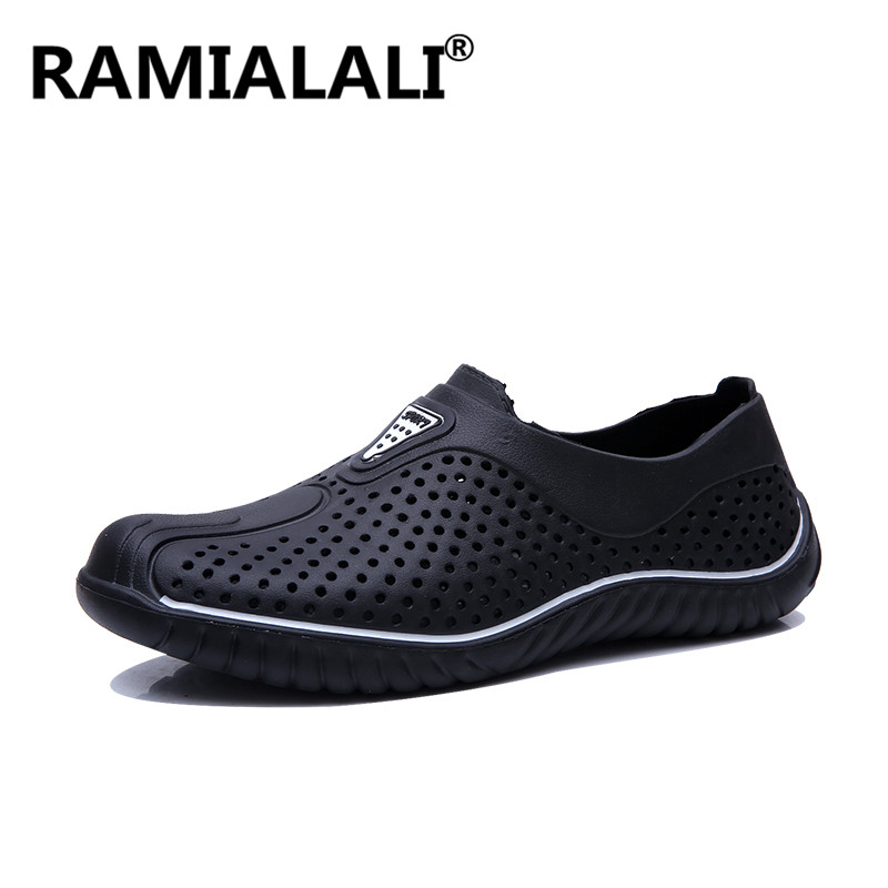 Summer Men Sandals Lightweight Shoes Men Beach Sandals Water Slip On Shoes Man Outdoor Holes Shoes Breathable Clogs Slippers