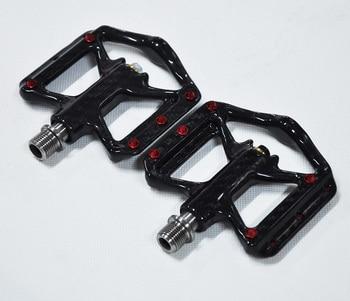 цена на NEW Ultra Light Bike Pedals Lightweight Carbon Fiber Platform Pedals Three Bearing MTB Bicycle Cycling Pedals Titanium Axle 172G