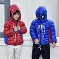 2016 Otoño Invierno de Los Niños Abajo Chaqueta de Moda Con Capucha Spiderman Abrigo Niña Abajo de la Capa Delgada Y Chaqueta Corta Niño Rojo Azul