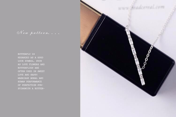 Flötenanhänger mit Halskette