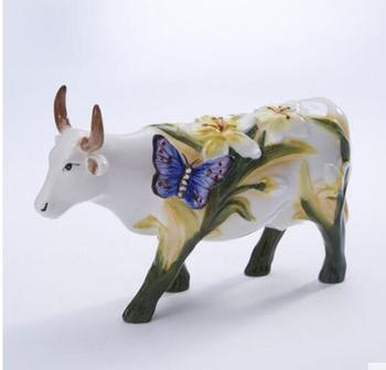 Butterfly dance xinlan ceramic trumpet cattle American rural animal bedside table porch OX elephant wedding statue sculpture